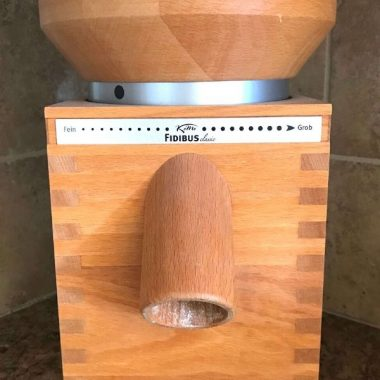 Using the Komo grain mill to grind your own grain