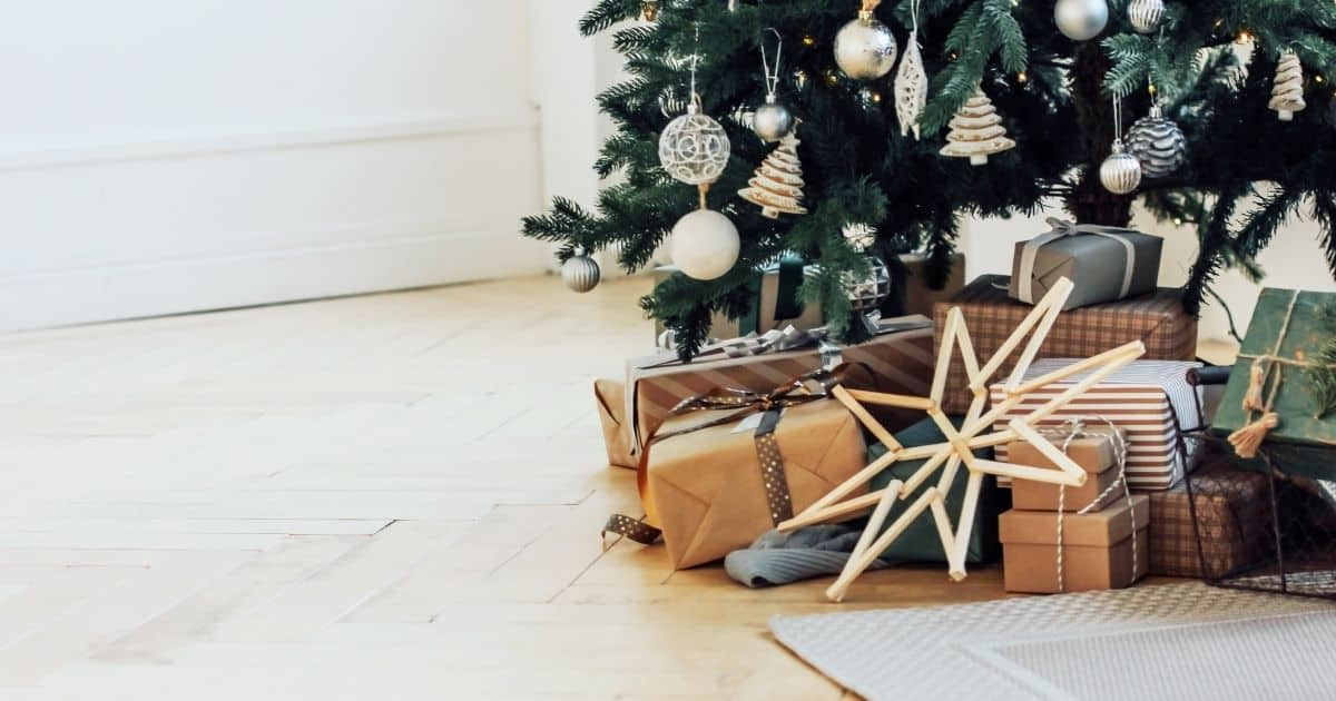 How to have contentment at Christmas time