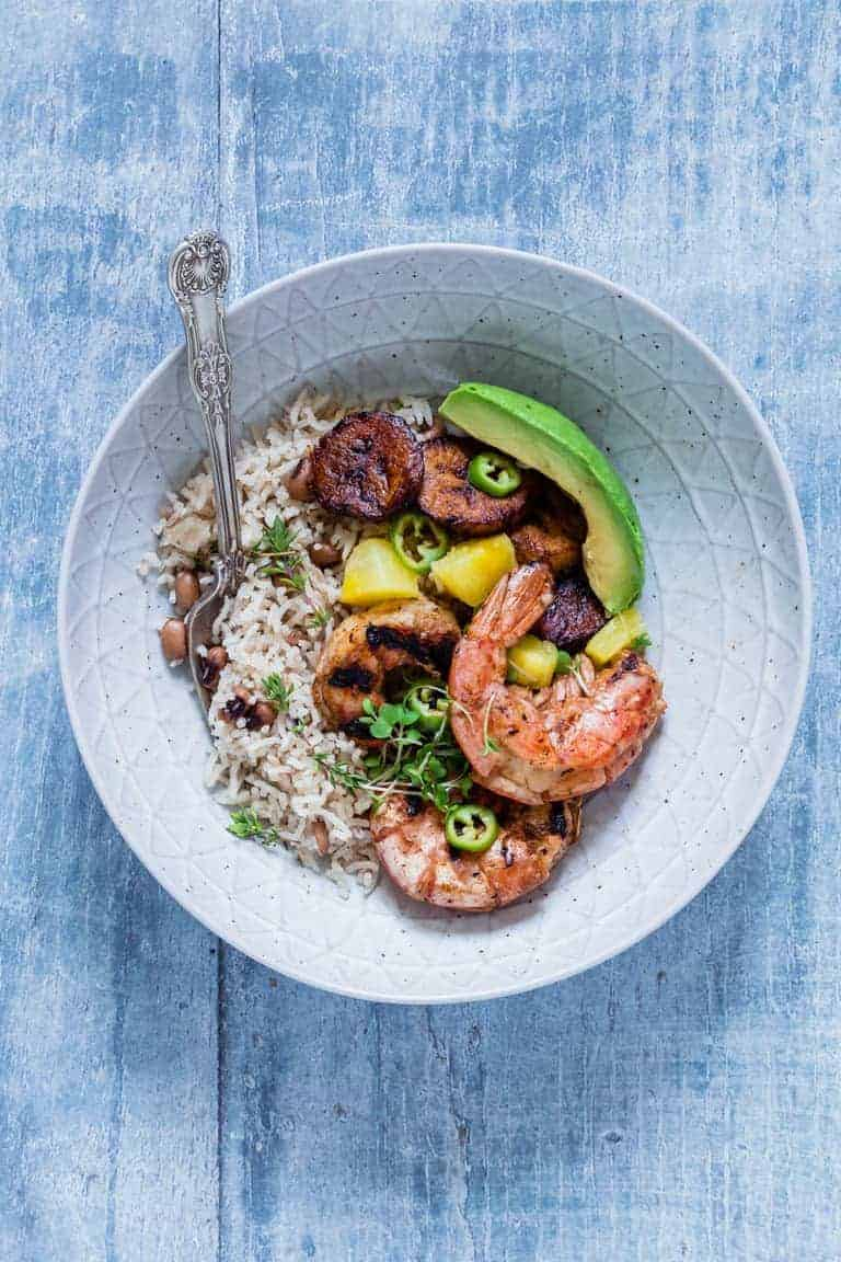 Jerk shrimp with rice and peas