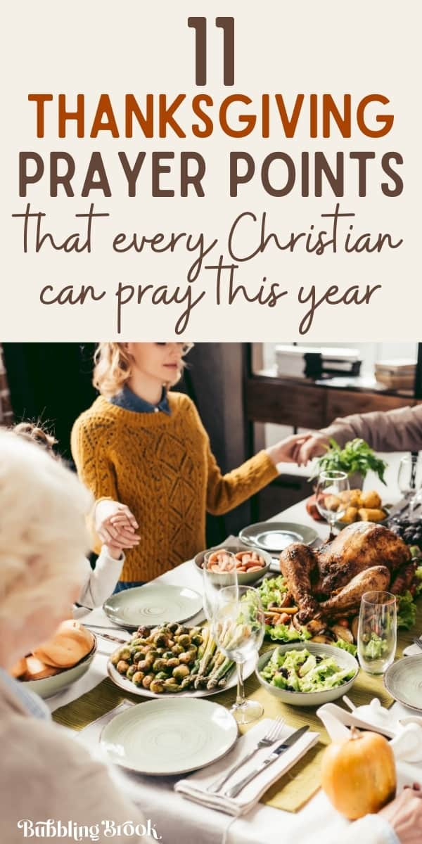 Family gathered for prayer at Thanksgiving dinner (thanksgiving prayer points)
